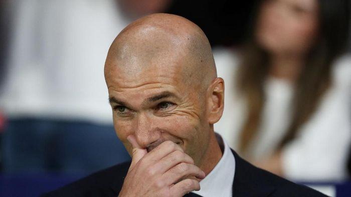 Zinedine Zidane ingin selamanya melatih Real Madrid. (Foto: Sergio Perez / Reuters)