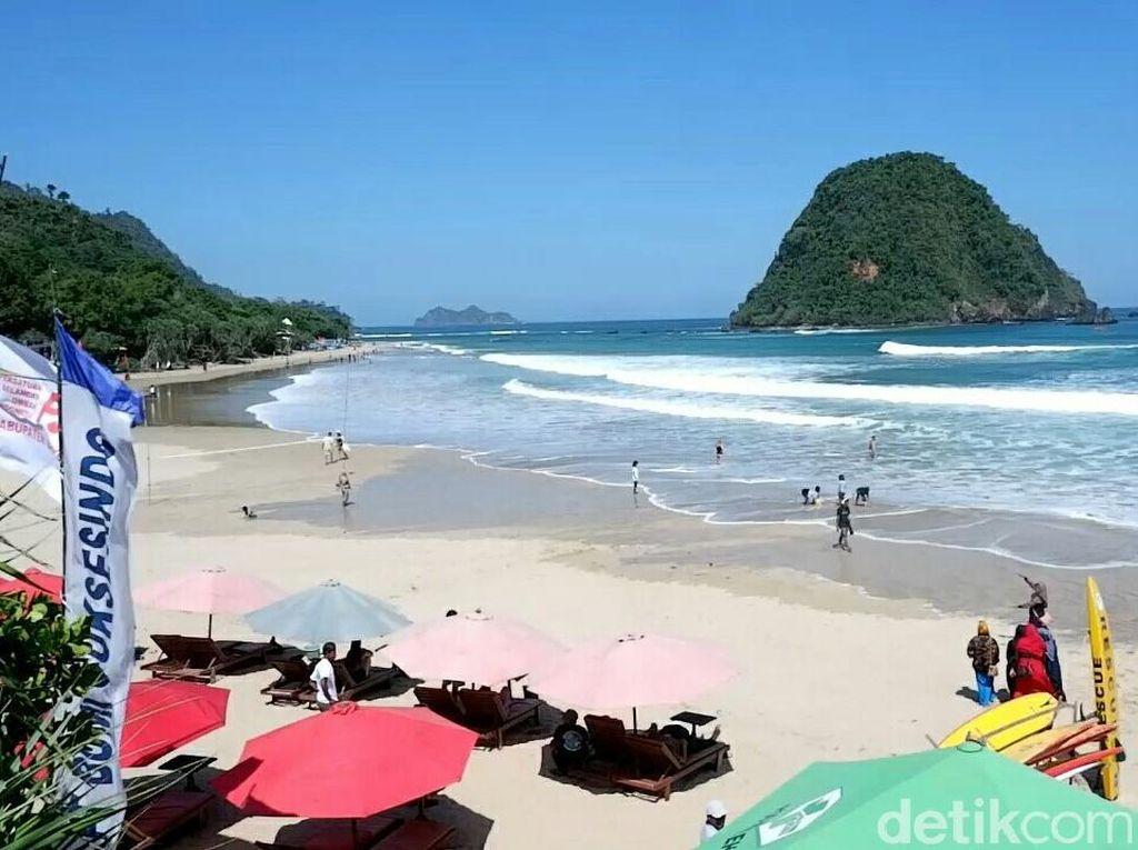 PKL Pantai Pulau Merah Banyuwangi Ditata dan Direlokasi