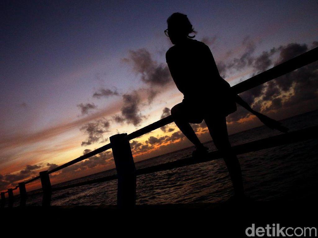 Panorama Senja KM 0 di Pulau Terluar Paling Utara Indonesia