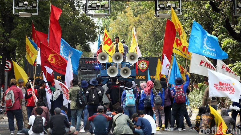 Petani hingga Mahasiswa Gelar Aksi Demo di Patung Kuda