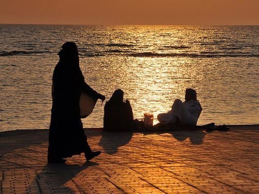 Arab Saudi Terapkan Aturan Kesopanan Bagi Turis Asing