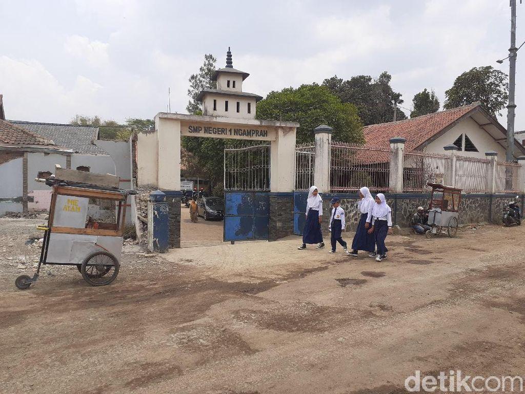 Melihat SMP di Bandung Barat yang Terhimpit Proyek Kereta Cepat