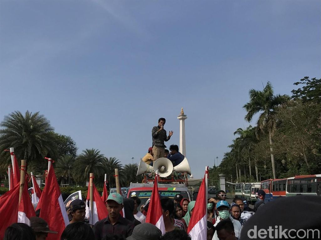 Demo Perppu KPK: Dangdutan Vs Orasi