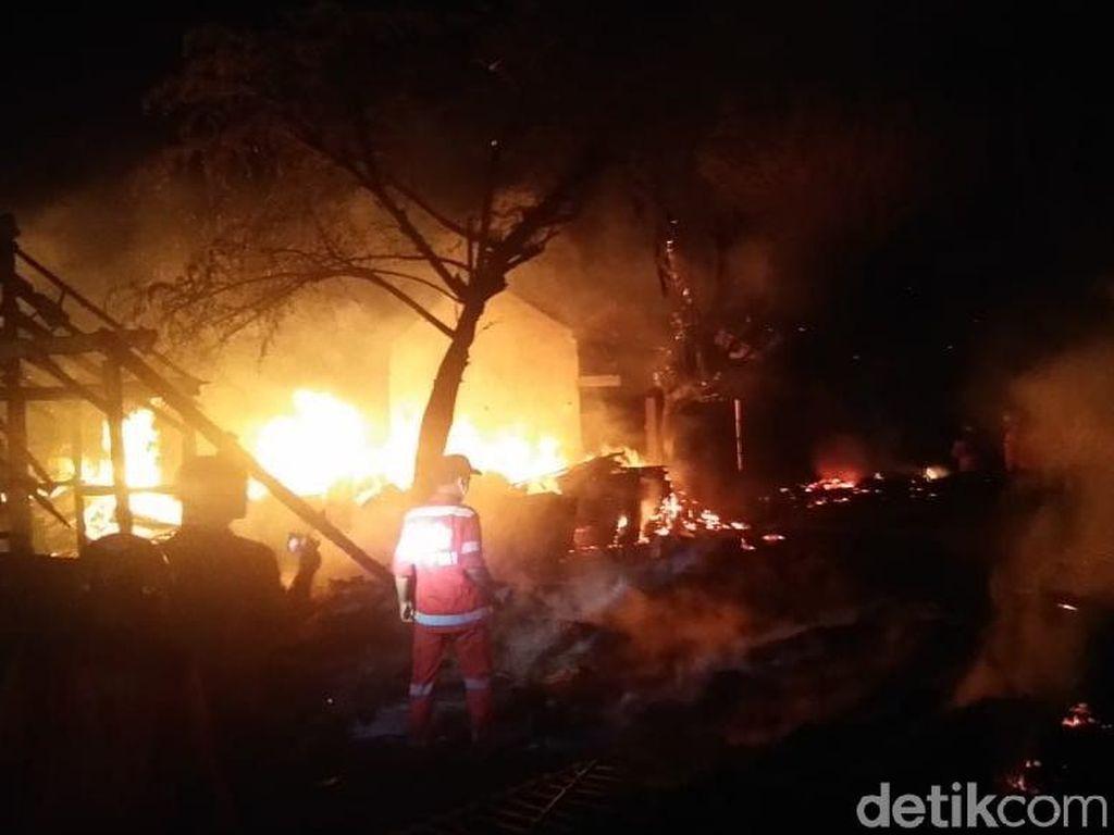 Kebakaran Pasar Nglangon Sragen Berhasil Dipadamkan