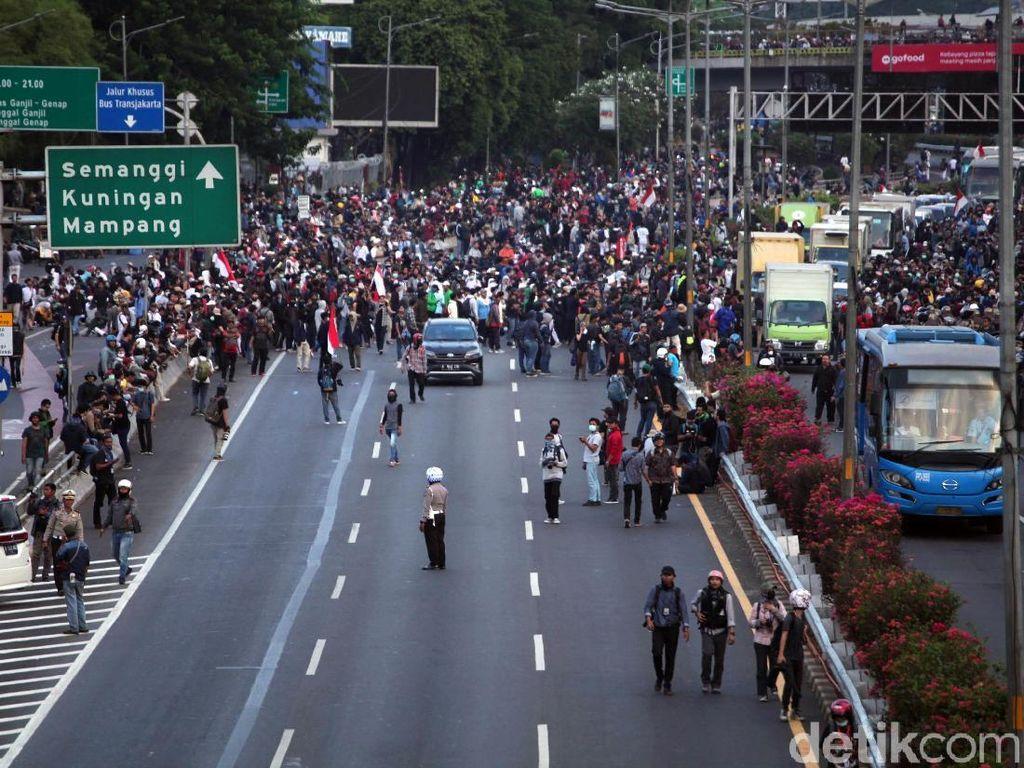 Antisipasi Demo, Pegawai di Setiabudi Pulang Lebih Awal