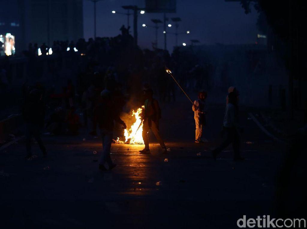 Aksi Demo Rusuh di Malam Hari, BEM SI: Bukan Kami