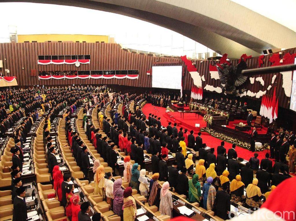 Video Jokowi-JK Hingga Megawati di Pelantikan Anggota DPR 2019-2024