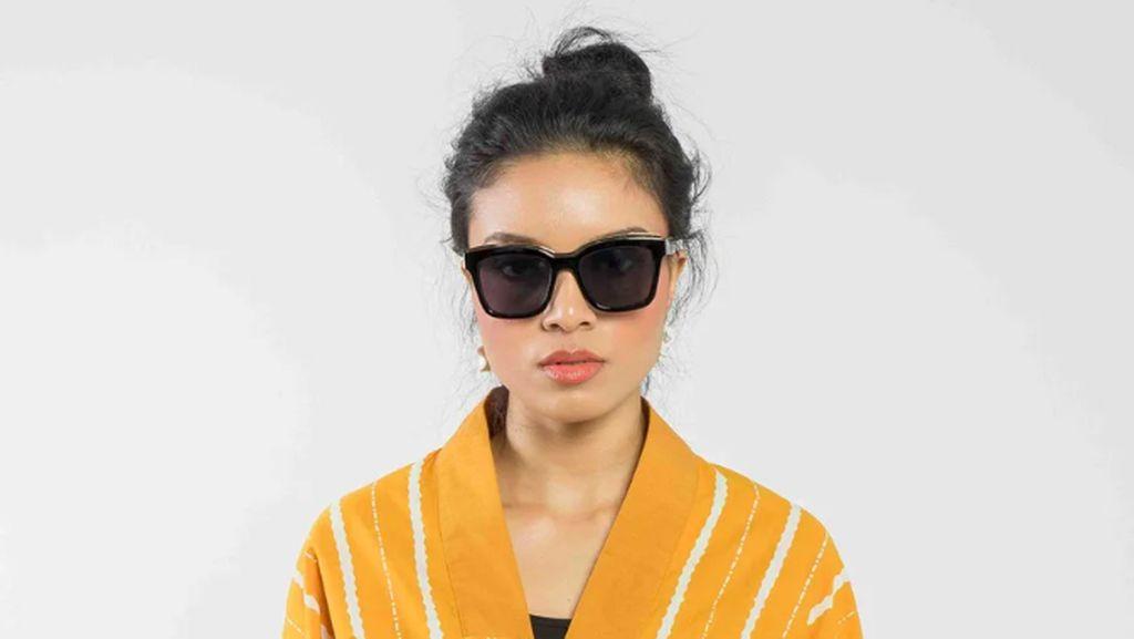 Besok Hari Batik, Ini 10 Baju Batik Kasual yang Bisa Dipakai Hangout dan Kondangan