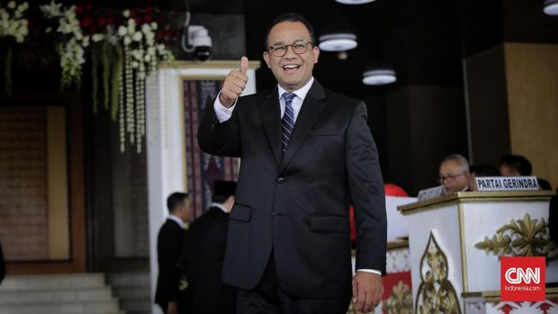 Gubernur DKI Jakarta Anies Baswedan mengikuti pelantikan Dewan Perwakilan Rakyat (DPR) periode 2019-2024 di Ruang Rapat Paripurna, Kompleks Parlemen, Senayan, Jakarta, Selasa, 1 Oktober 2019.