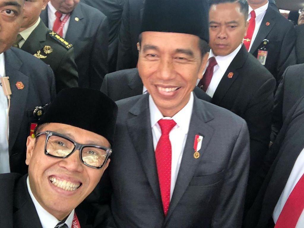 Usai Ditampar Anak soal RUU KUHP, Eko Patrio Kini Selfie Sama Jokowi