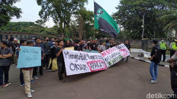 Temui Massa HMI, Ridwan Kamil Janji Sampaikan Aspirasi ke Pusat