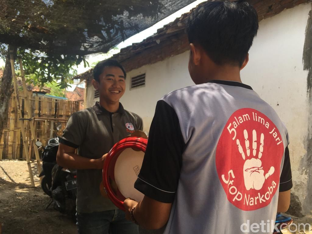 Kisah Mantan Pecandu Narkoba yang Kini Jadi Pegiat Seni di Banyuwangi