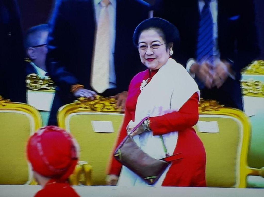 Momen Kikuk Salaman Megawati dan AHY di Mata Pakar Gestur
