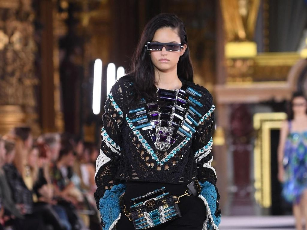 15 Koleksi Terbaru Balmain di Paris Fashion Week Spring 2020