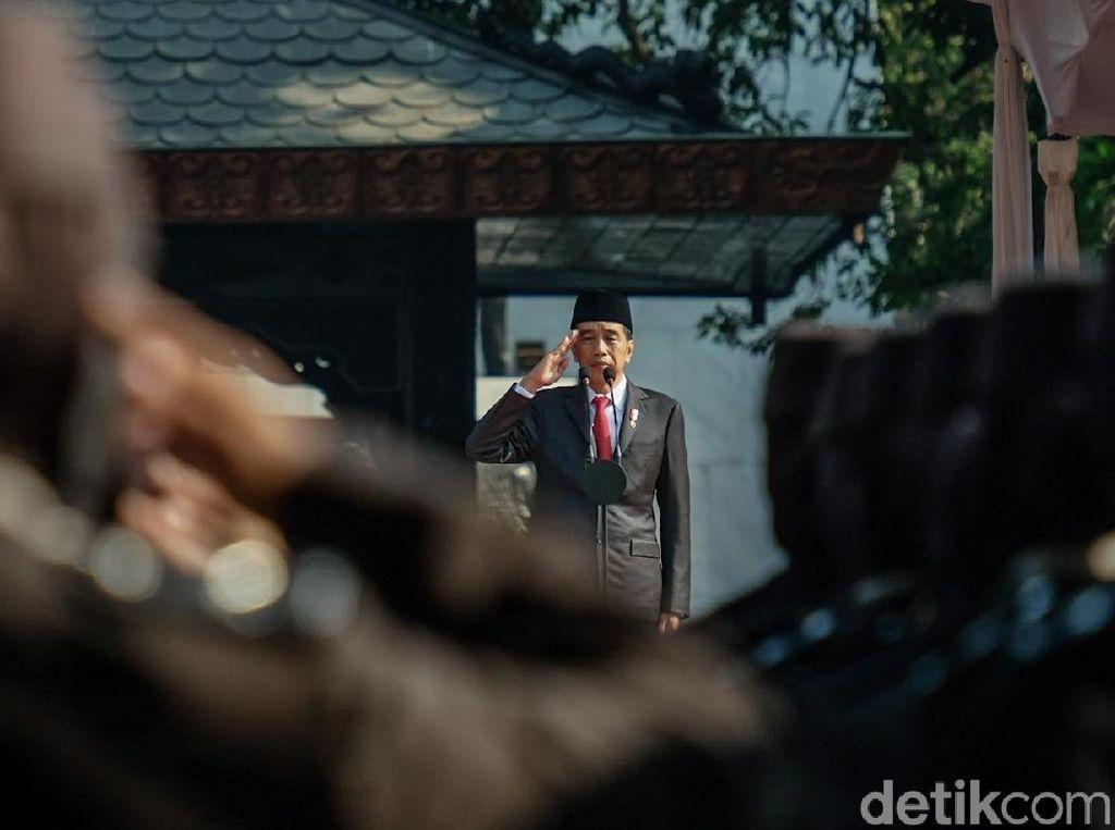 Jokowi Pimpin Upacara Hari Kesaktian Pancasila di Lubang Buaya