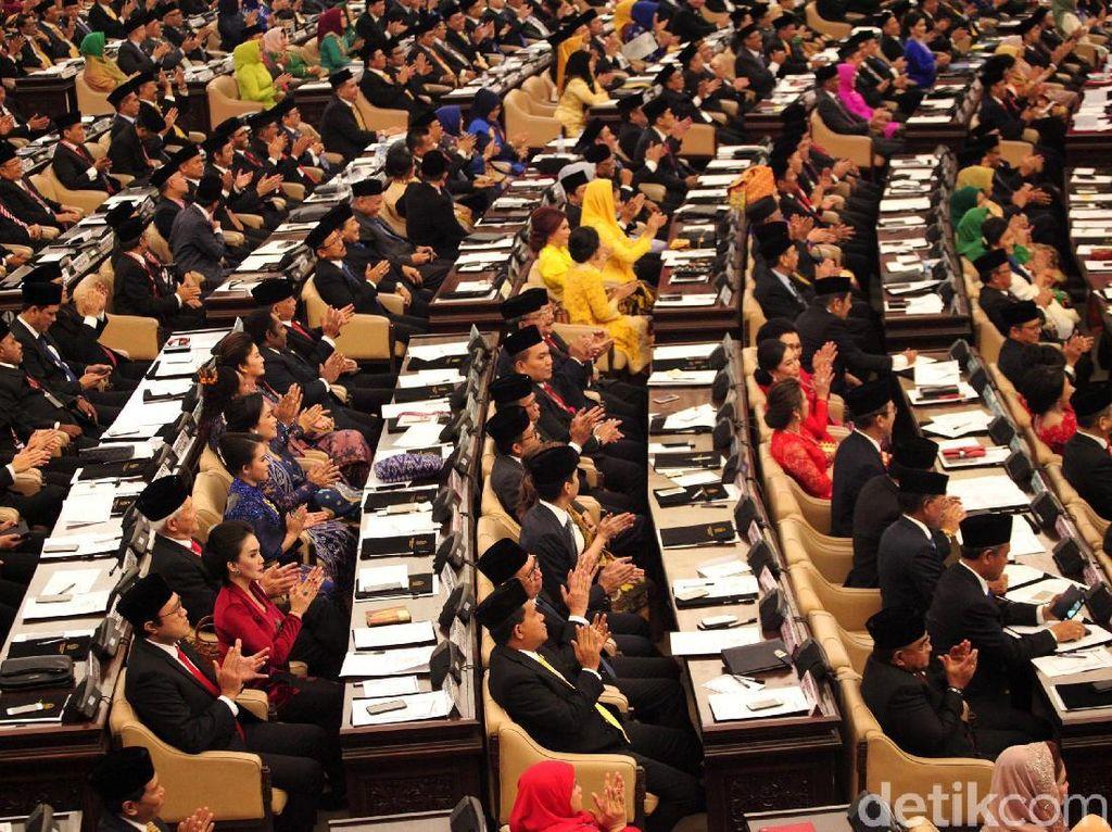 Mandat DPR 2019-2024: Kembalikan Kepercayaan Publik