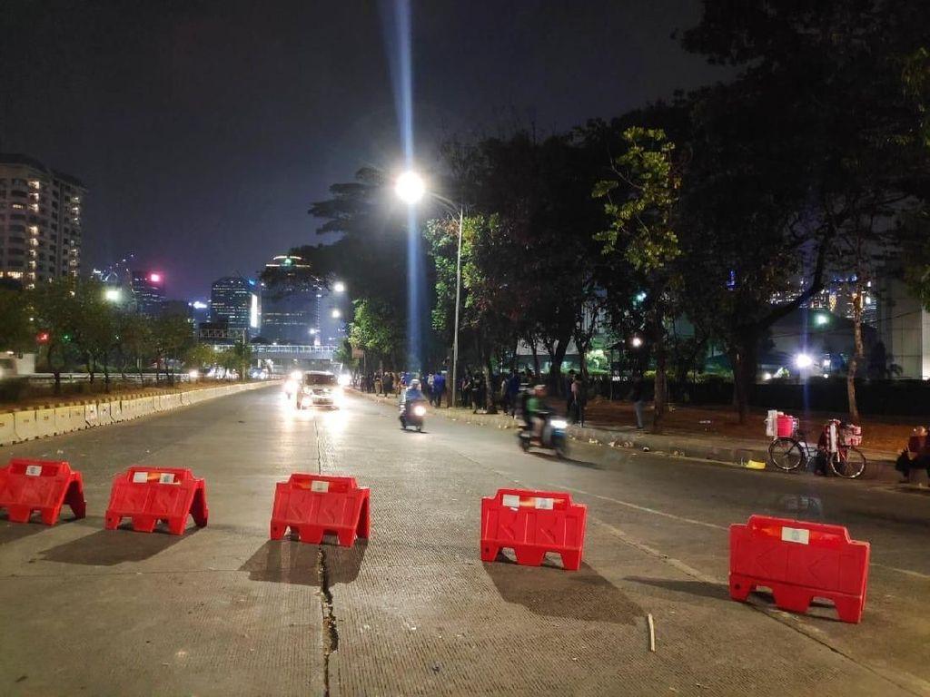 Akses ke DPR Masih Ditutup di Kolong JCC, Lalin di Jalan Gatsu Normal
