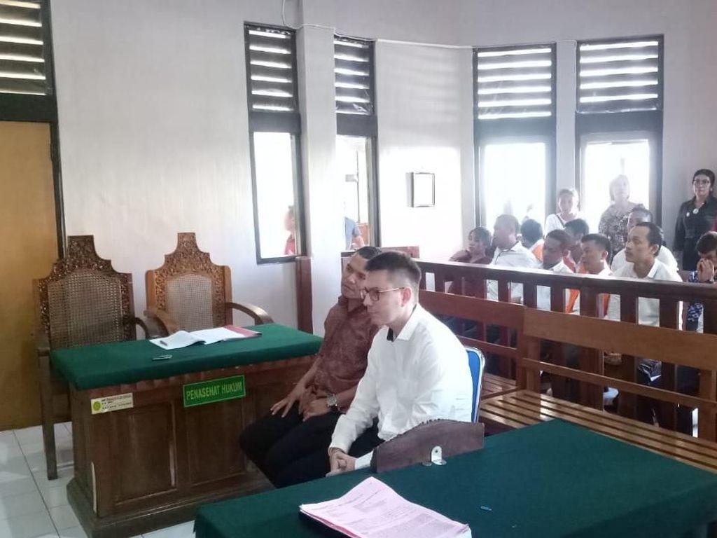 Beli Kokain untuk Atasi Depresi, WN Ukraina Diadili di Bali