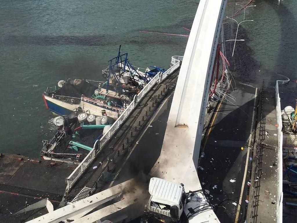 Video Jembatan Ambruk di Taiwan, 2 WNI Jadi Korban