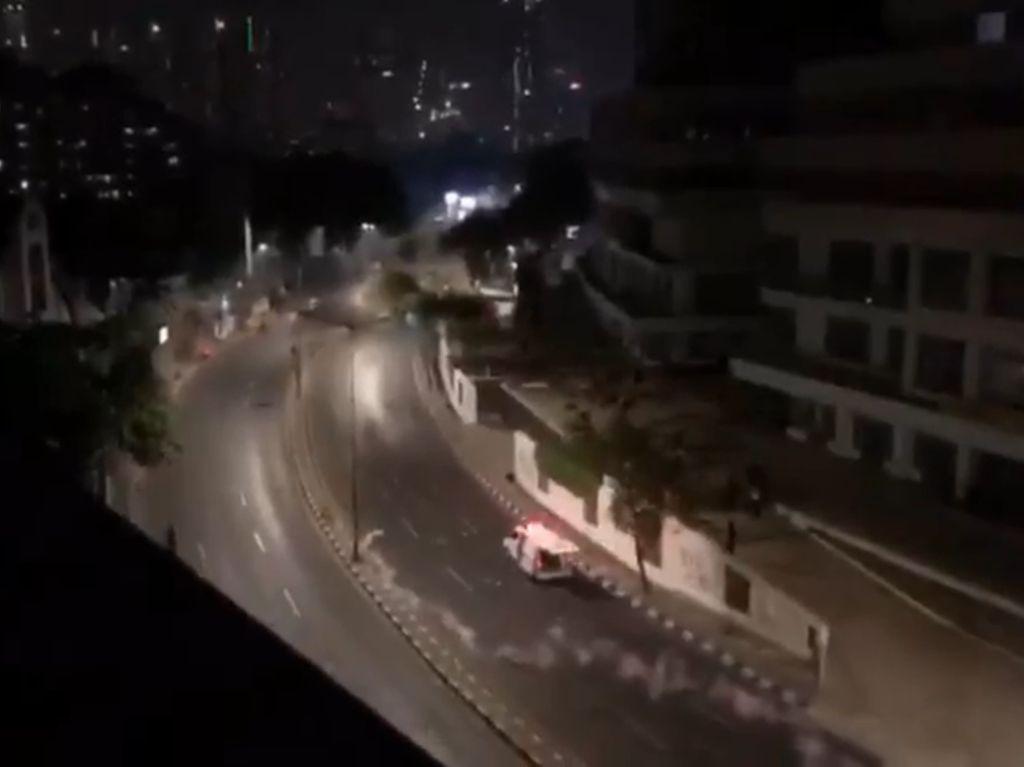 Mobil Ambulans Jadi Sasaran Gas Air Mata, Ini Respons Polri