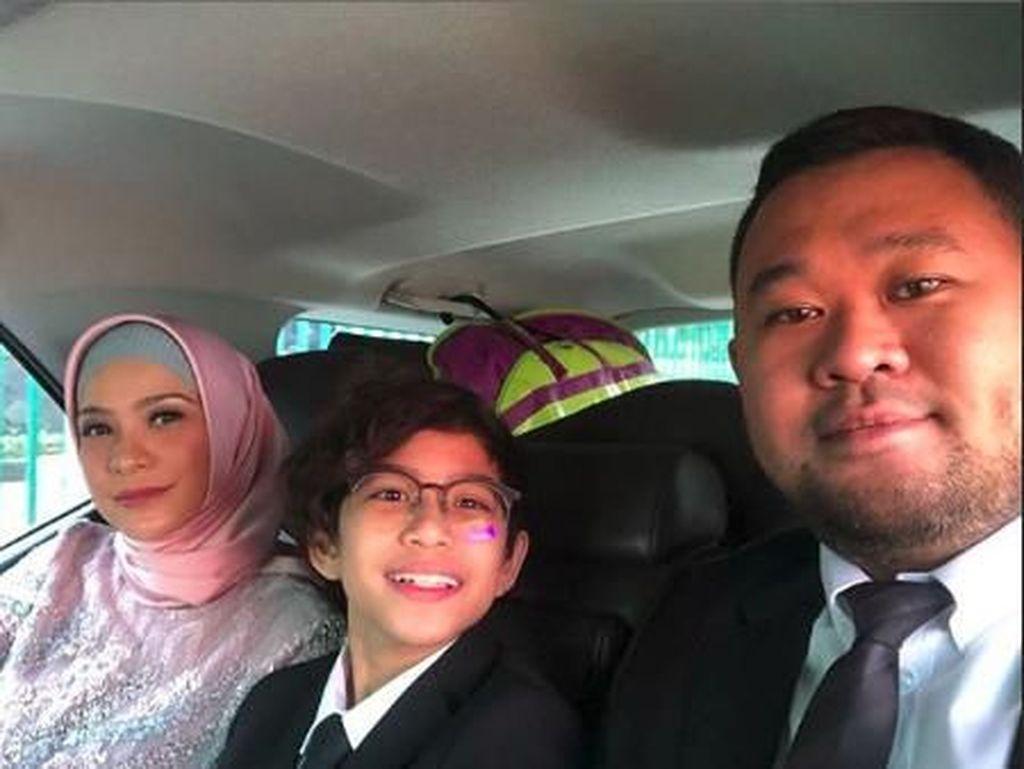 Dilantik Hari Ini, Rachel Maryam Diantar Anak dan Suami