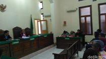 Staf Kecamatan di Surabaya Tersangka Rasisme, Istri Ajukan Praperadilan