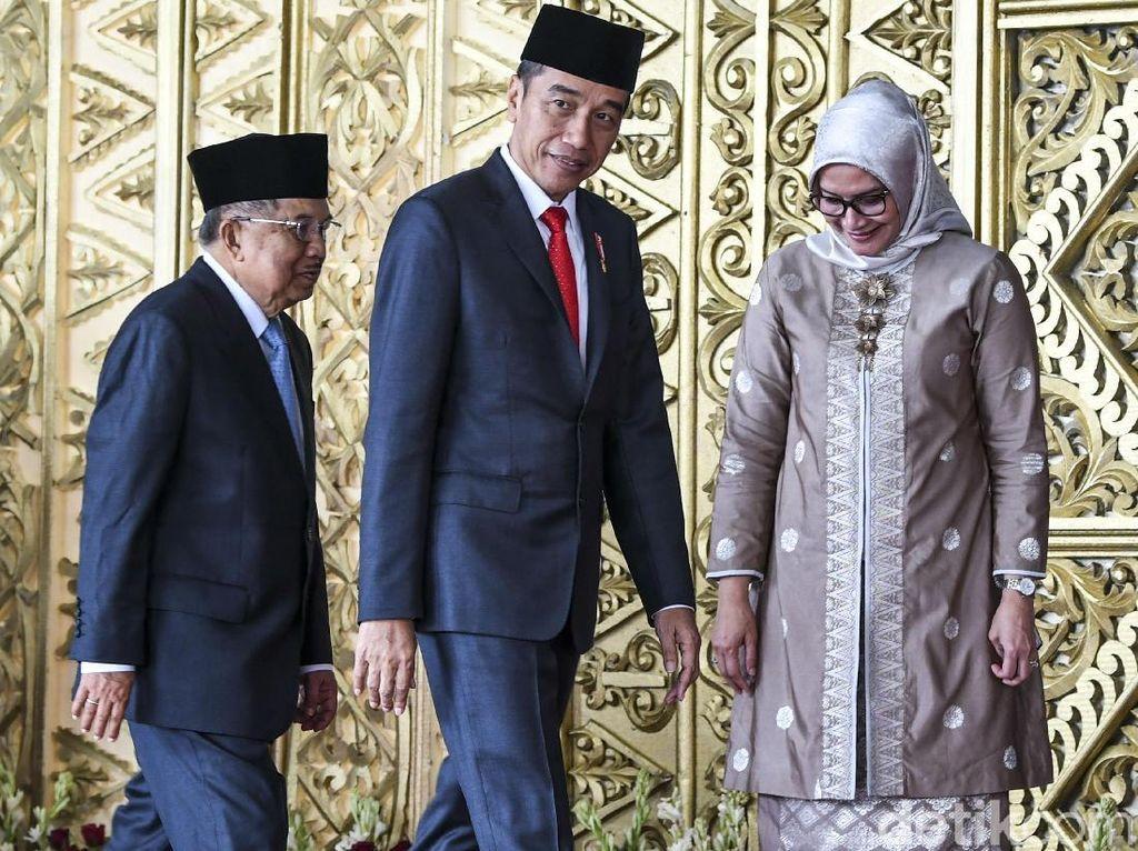 Momen Jokowi Hadiri Pelantikan Anggota DPR RI