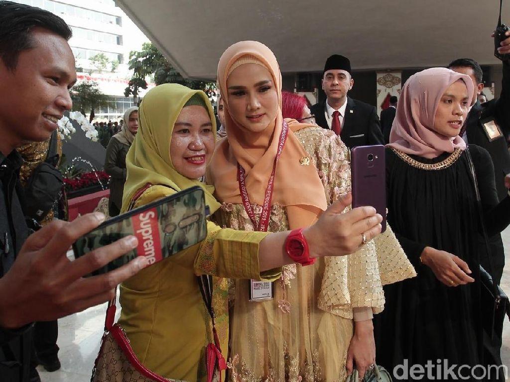 Mulan Jameela Berharap Masuk Komisi X DPR RI