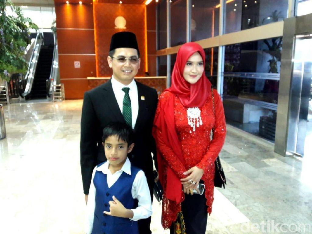 Dilantik Jadi Anggota DPR, Tommy Kurniawan Boyong Keluarga