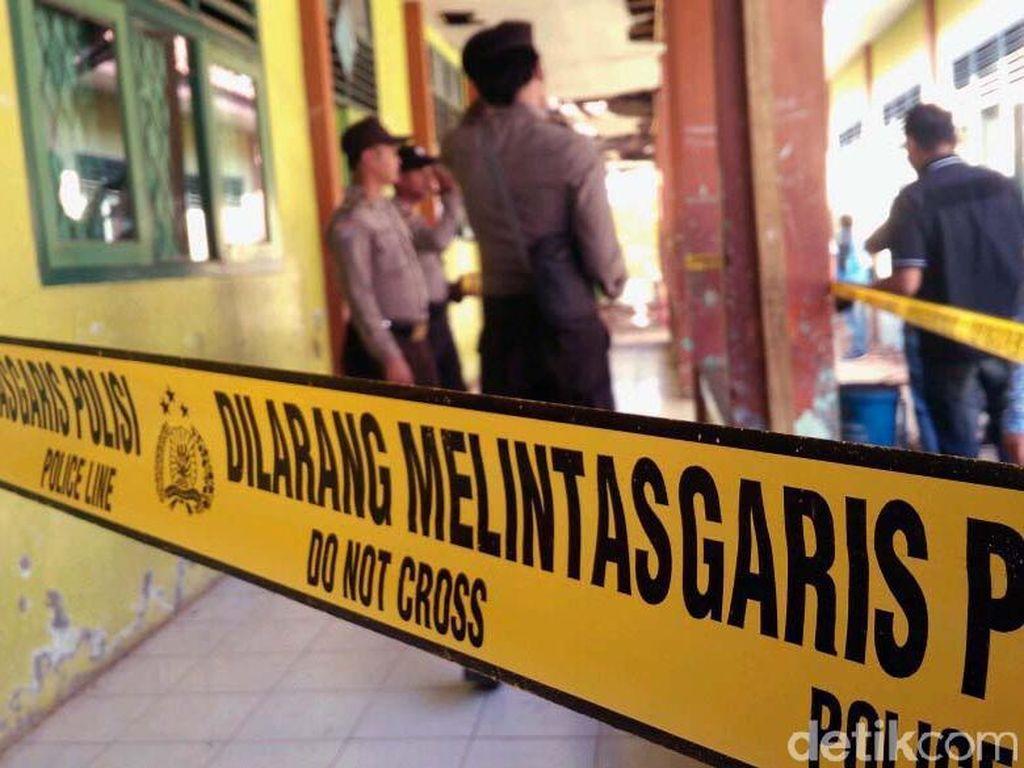 Video Ruang Kelas SMPN 2 Plumbon Cirebon Ambruk, Siswa Luka-luka