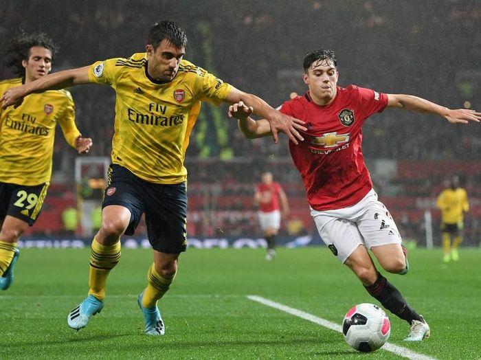 Roy Keane menyebut Manchester United vs Arsenal membosankan. (Foto: Michael Regan/Getty Images)