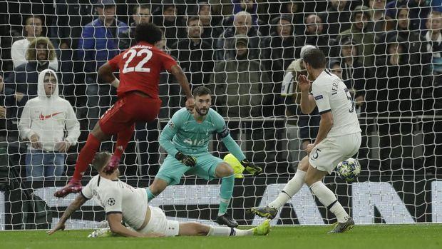 Serge Gnabry cetak empat gol ke gawang Tottenham di Liga Champions.