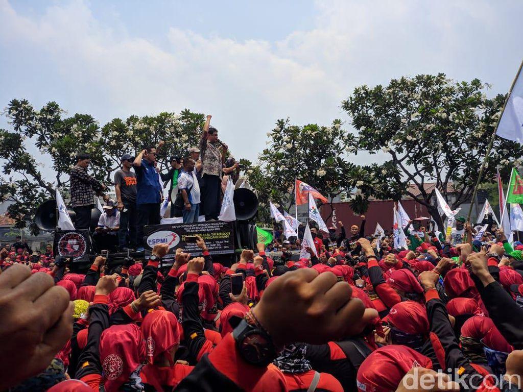 Ribuan Buruh Ancam Kepung Kemnaker Besok, Ini Tuntutannya