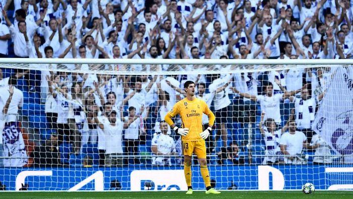 Untuk kali pertama musim ini, tiket di Santiago Bernabeu sold out. (Foto: Oscar del Pozo / AFP)