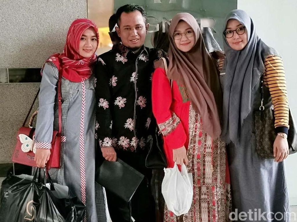 Ungkapan 2 Istri Lora Fadil yang Awalnya Syok Dipoligami Tapi Akhirnya Mau