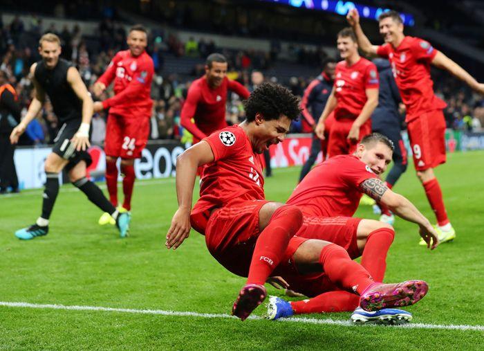 Bayern Munich mempermalukan Tottenham Hotspur di matchday II Liga Champions. Bertandang ke markas Tottenham, Bayern berpesta gol dengan kemenangan telak 7-2. REUTERS/Eddie Keogh.