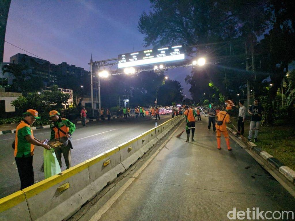 3 Kelompok Massa Demo di Monas Bubar, Jl Medan Merdeka Barat Masih Ditutup