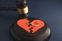 Sadis! Tolak Alkohol dan Tampil Seksi, Istri Malah Ditalak Suami