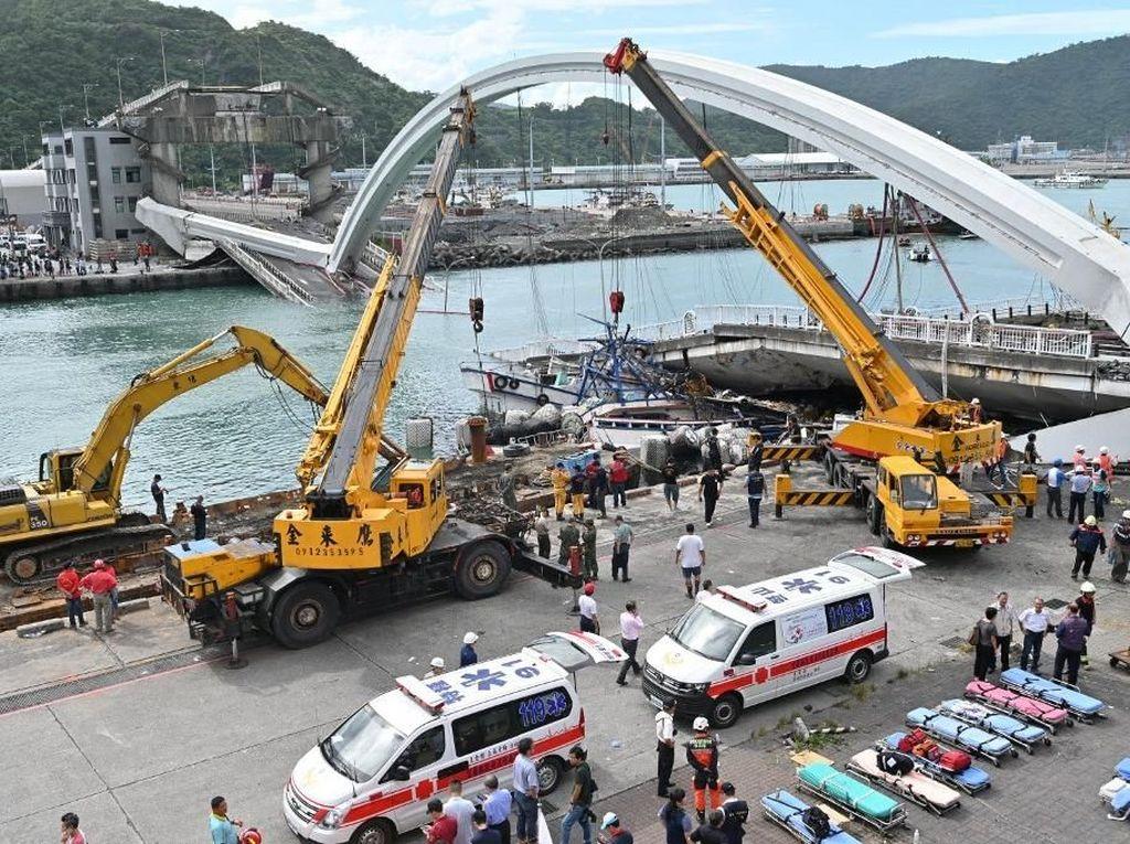 Jembatan Ambrol di Taiwan, 4 Jasad Ditemukan dan 2 Orang Masih Hilang