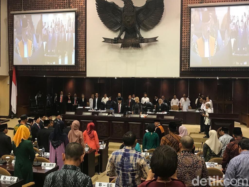 La Nyalla Dilantik Jadi Ketua DPD 2019-2024