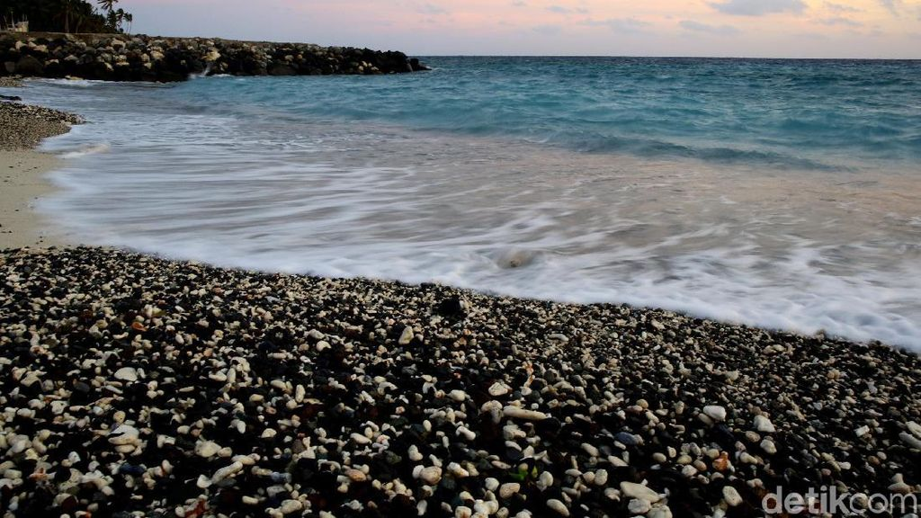 Potret Pantai Terluar Utara Indonesia di Miangas
