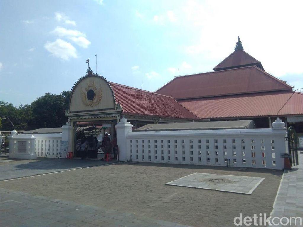 Jika Muslim United Tetap Gelar Acara di Masjid Gedhe, Sultan: Urusan Polisi