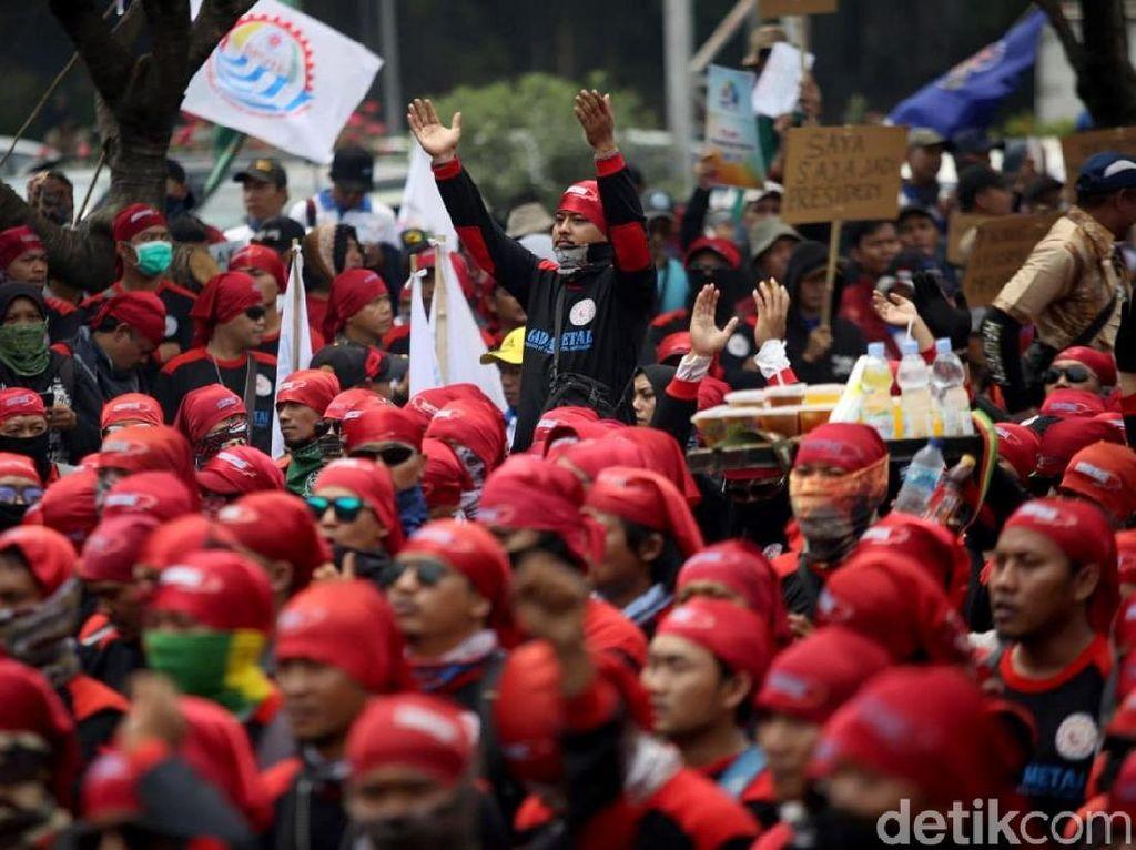 Buruh Ikut Demo, Jadwal Produksi Pabrik Motor Bisa Kacau