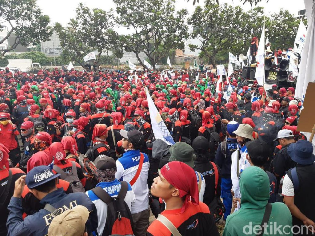 Alasan Buruh Tolak Revisi UU Ketenagakerjaan: Pesangon Turun