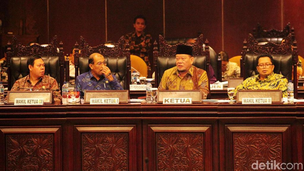 Suasana Paripurna DPD Bahas Perwakilan untuk Pimpinan MPR