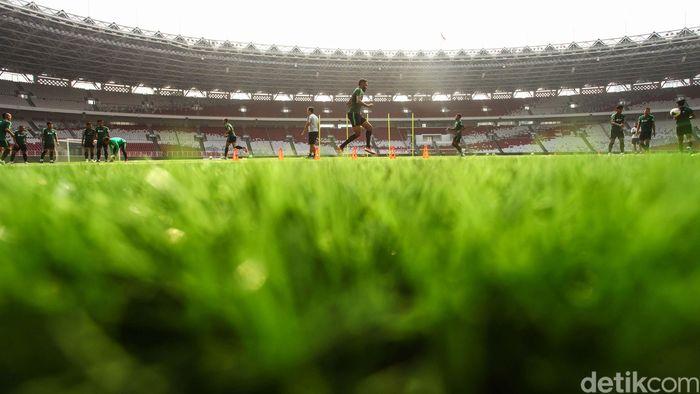 Sebanyak 21 pemain Timnas Indonesia melakukan latihan di Stadion Utama Gelora Bung Karno, Senayan, Jakarta, Rabu, 2 Oktober 2019.