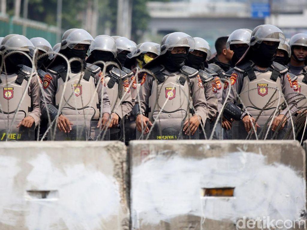 Diduga Terpapar Usai Amankan Demo, 5 Polisi di Bekasi Positif Corona