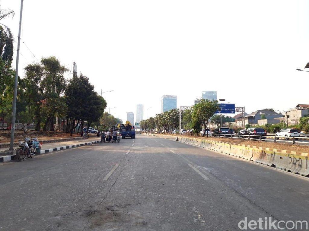 Penampakan Sore Tanpa Massa Demonstran di Depan DPR