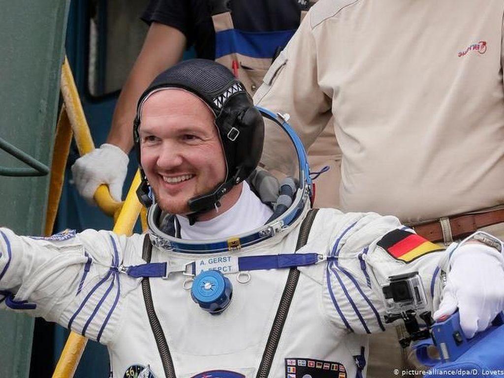 Astronot Alexander Gerst dan 24 Tokoh Dapat Bintang Jasa Pemerintah Jerman