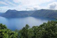 Danau Terjernih di Jepang yang Tak Bisa Disentuh